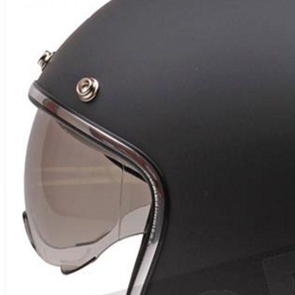 Retro Hjelm mat sort med strib og med indbygget solbrille MEDIUM